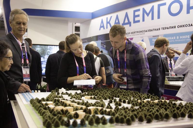 Стенд «Академгородок 2.0» на выставке «Технопром-2018». Фото Евгения Аникеева