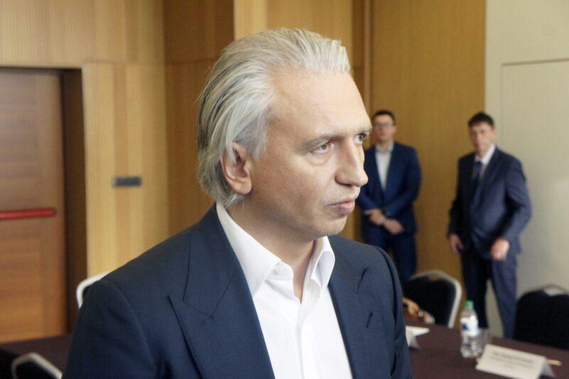 Вероятный президент РФС Александр Дюков во время визита в Новосибирск