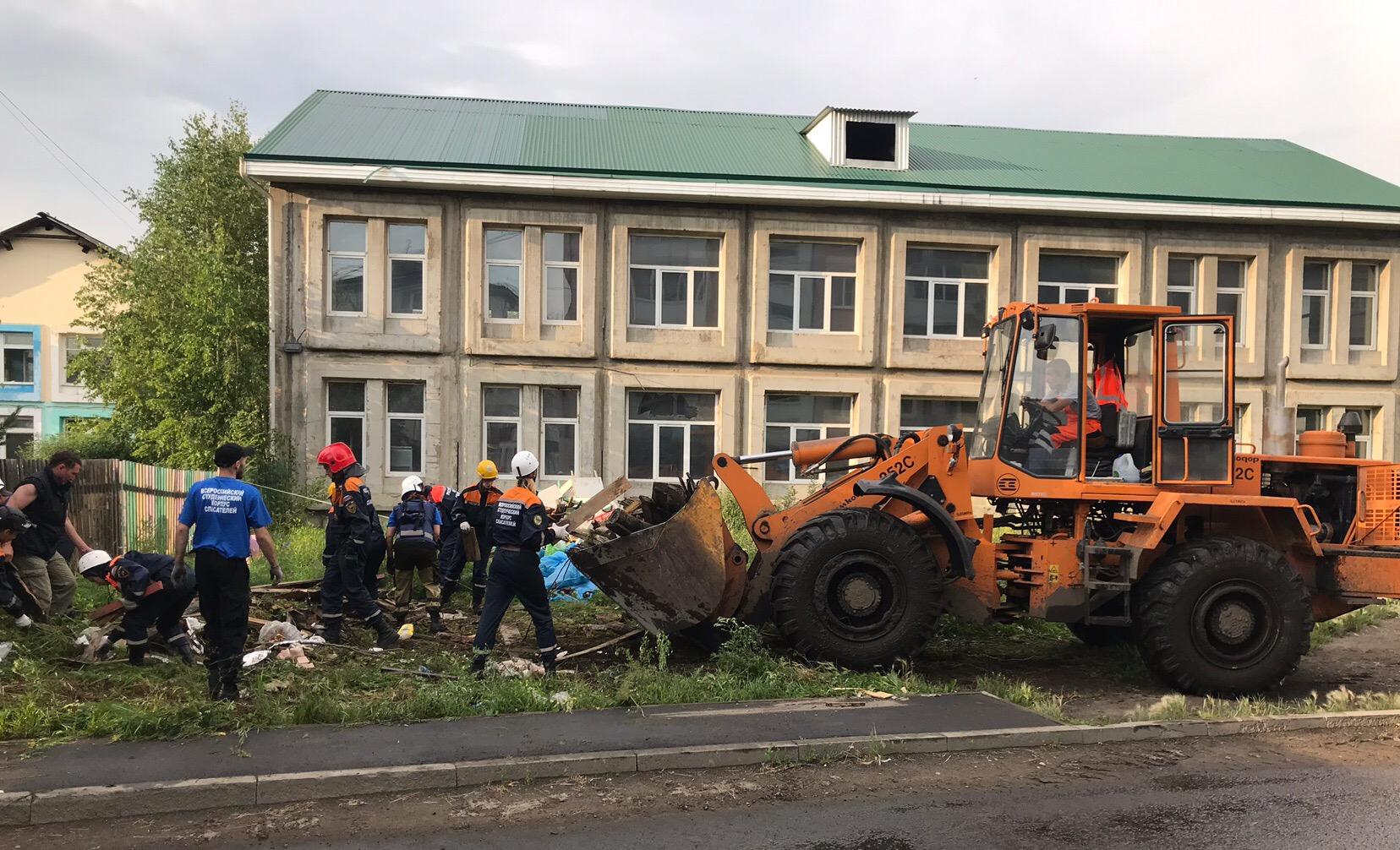 Новосибирские добровольцы на ликвидации последствий ЧП в Иркутской области. Фото предоставлены Романом Быковым.