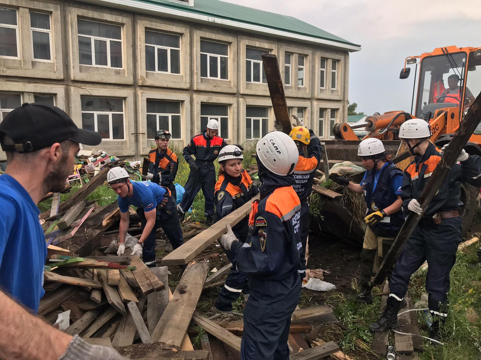 Новосибирские добровольцы на ликвидации последствий ЧП в Иркутской области