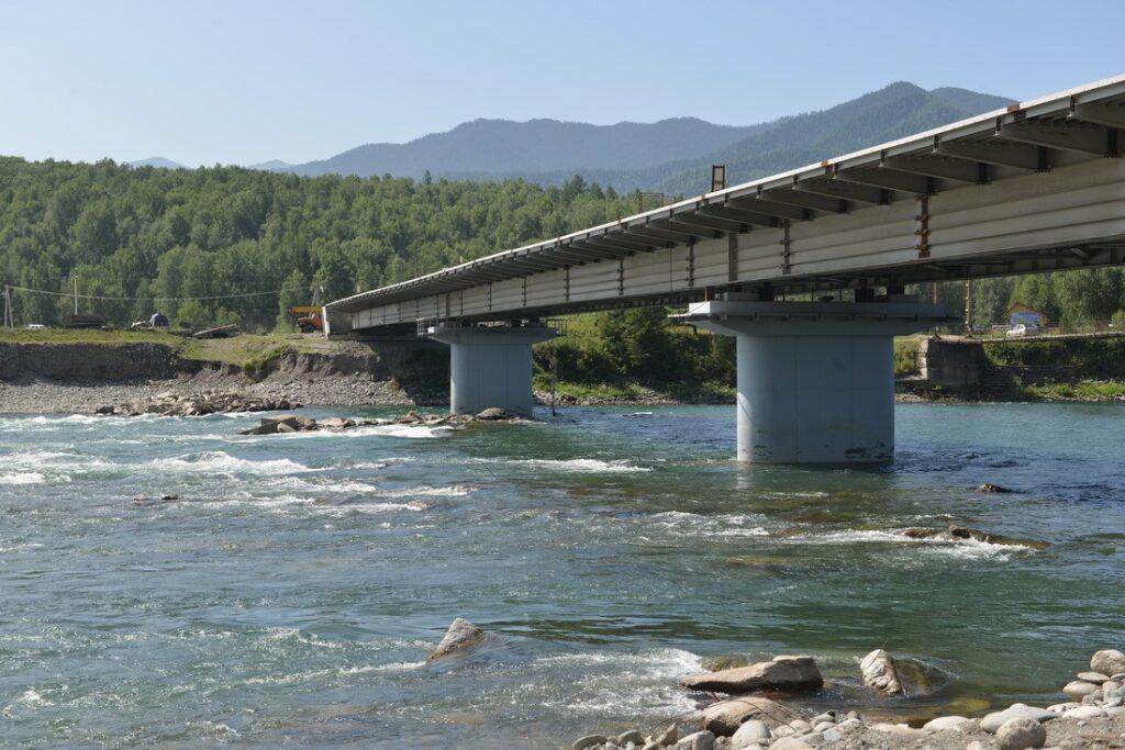 Мост через Катунь в августе 2019 года