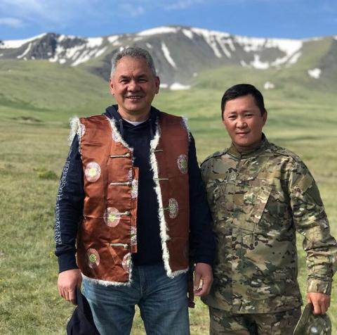 Сергей Шойгу во время поездки на Алтай