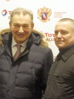 Президент ФХР, трехкратный олимпийский чемпион Владислав Третьяк (слева) посетил Новосибирск. Фото автора
