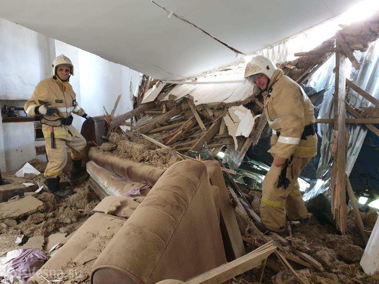 Обрушение крыши кафе в Академгородке
