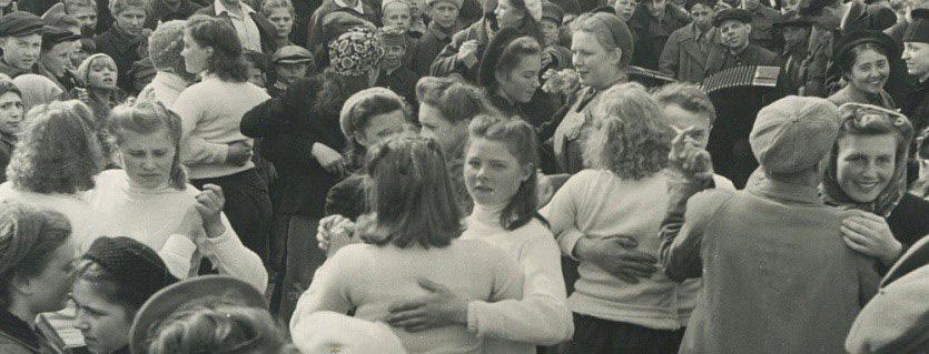 Победный вальс на улицах Новосибирска, 1945 год