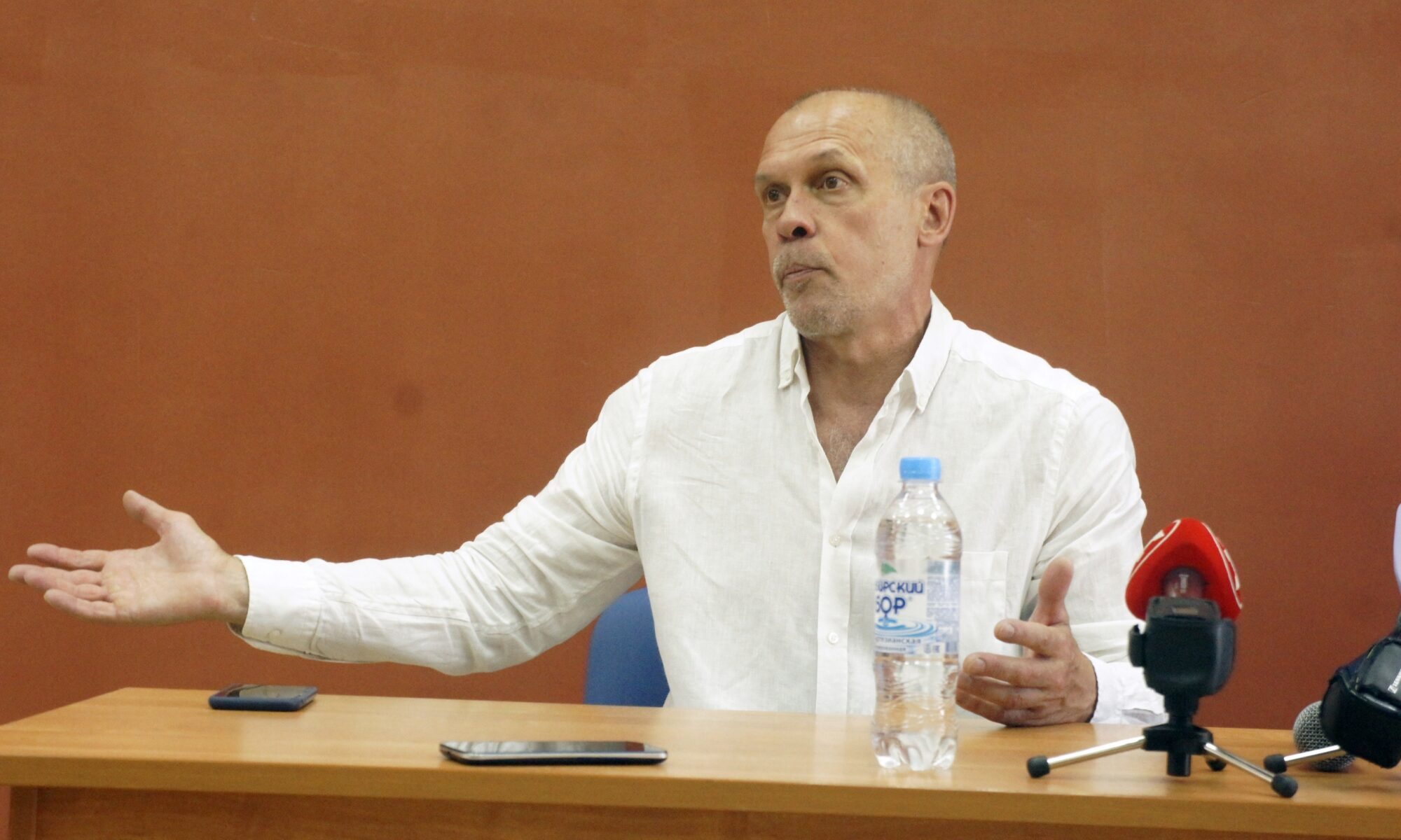 Новый генеральный директор ФК «Новосибирск», олимпийский чемпион по легкой атлетике-1992 Андрей Перлов. Фото автора