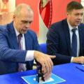 Андрей Перлов (слева) активно участвует в спортивной жизни родного города. Фото министерства физической культуры и спорта Новосибирской области