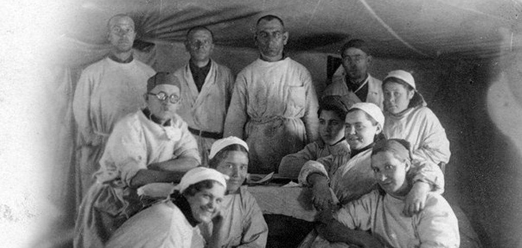 Врачи во время Великой отечественной войны. Архивное фото