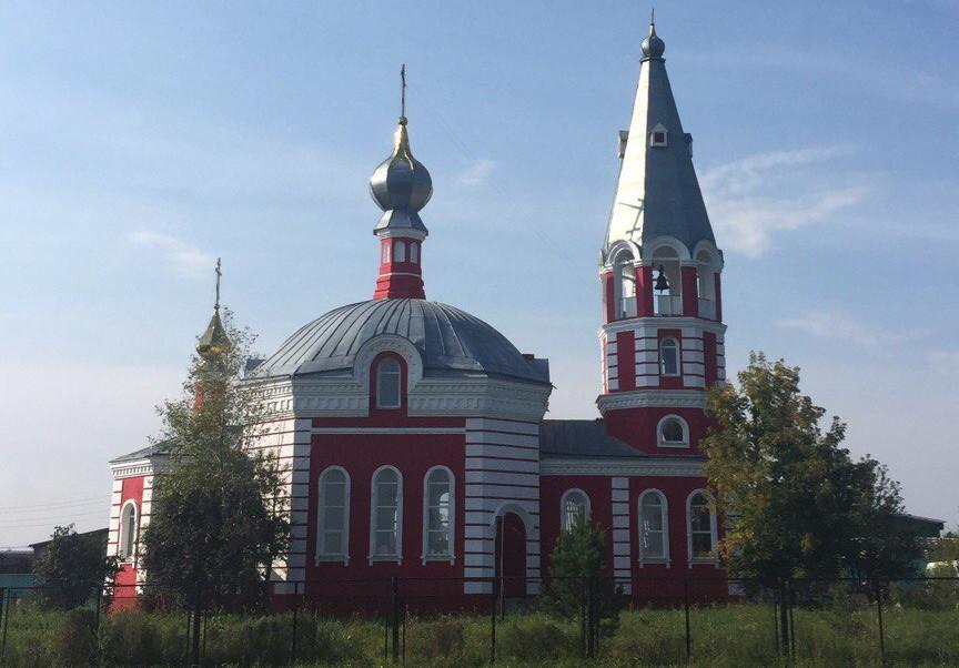 Храм Архангела Михаила в деревне Береговая