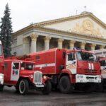 Автопробег пожарной техники прошел в Новосибирске