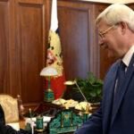 В Томске собирают подписи за отставку губернатора