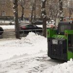 В Новосибирске не хватает техники для уборки снега