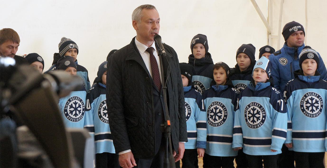 губернатор и маленькие хоккеисты