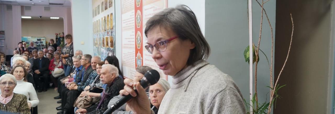 """Светлана Каверзина на встрече """"За жизнь в ТСЖ"""". Фото из социальных сетей"""