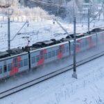 В Киселёвске под колёсами поезда погиб молодой человек. Он просто сидел на путях
