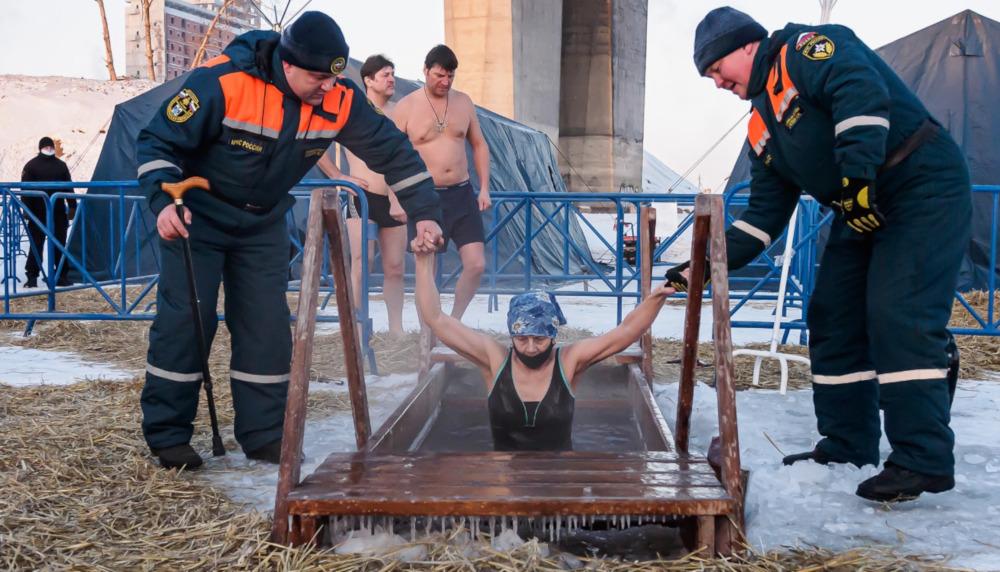 Крещенские купания в Новосибирске. К.Кутузов