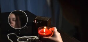 Святки гадание на свечу и зеркало