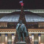 Главный символ нового года в Новосибирске демонтируют в воскресенье