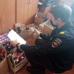 В деревне, где живут 550 человек, полиция изъяла 100 литров нелегального алкоголя