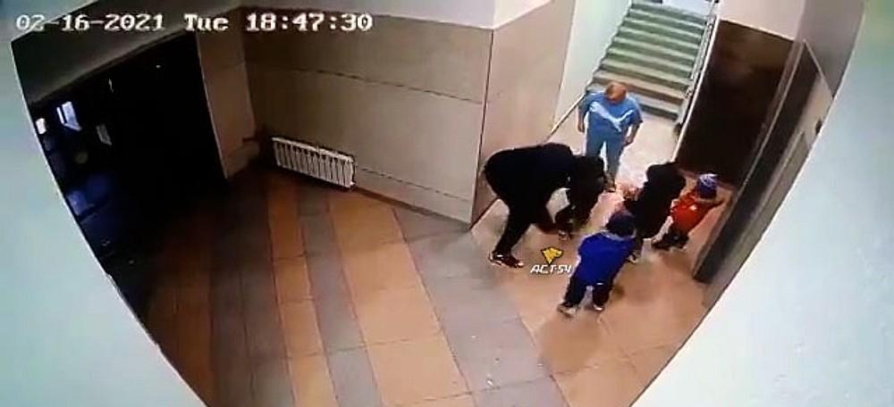нападение дедушки на внука