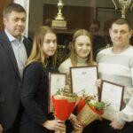 Боксерши Анна Костина, Алена Криничная и министр спорта НСО Сергей Ахапов