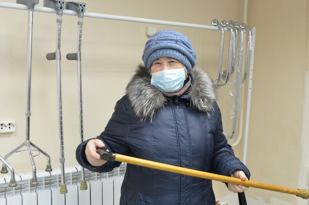 Татьяна Аркатова выбирает трость