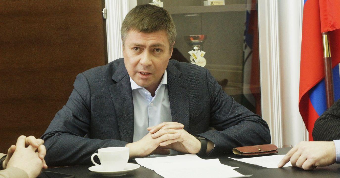 Министр спорта НСО Сергей Ахапов реконструкция бассейна СКА 2022 год