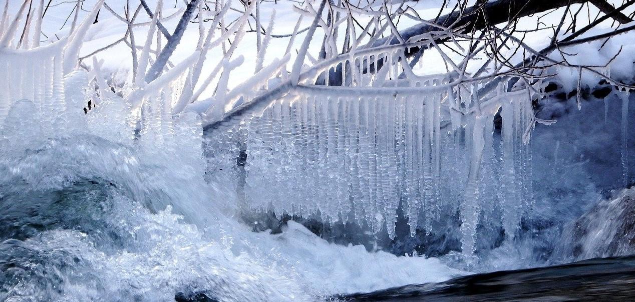март, лед, весна