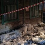 Уголовное дело возбудили в Новосибирске после падения наледи с крыши на подростка