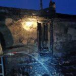 Четверых малолетних детей вынесли полицейские из горящего дома под Новосибирском