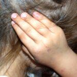 В Алтае злая мачеха будила детей ударом ноги в живот