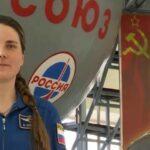 Кикина поздравляет с Днём космонавтики