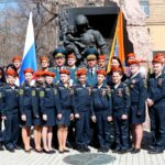 Двадцать кадетов из Мошково в центре Новосибирска надели береты спасателей