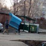 Совесть «загрызла» двух похитителей беседки из детского сада Новокузнецка