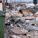 В частном секторе Искитима мусор не вывозят неделями