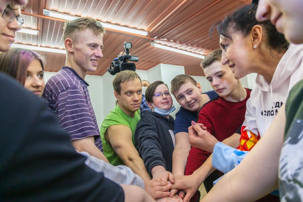 «Ростелеком» в Новосибирске организовал зарядку с победителем Олимпийских игр