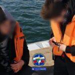 Двух подростков сняли с дрейфующей льдины новосибирские спасатели