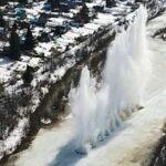 Перед паводком спасатели взрывают лёд на реках Новосибирской области