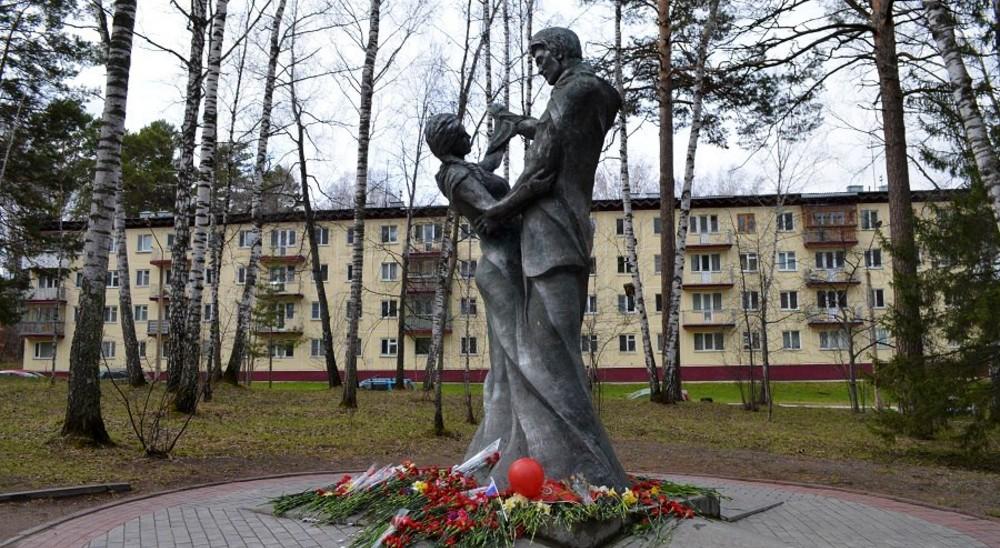 памятник Вальс Победы