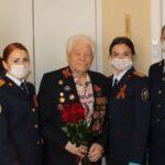 Накануне Дня Победы следователи навестили новосибирского ветерана