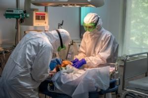 Новосибирские врачи за работой. Фото Кирилла Бунькова
