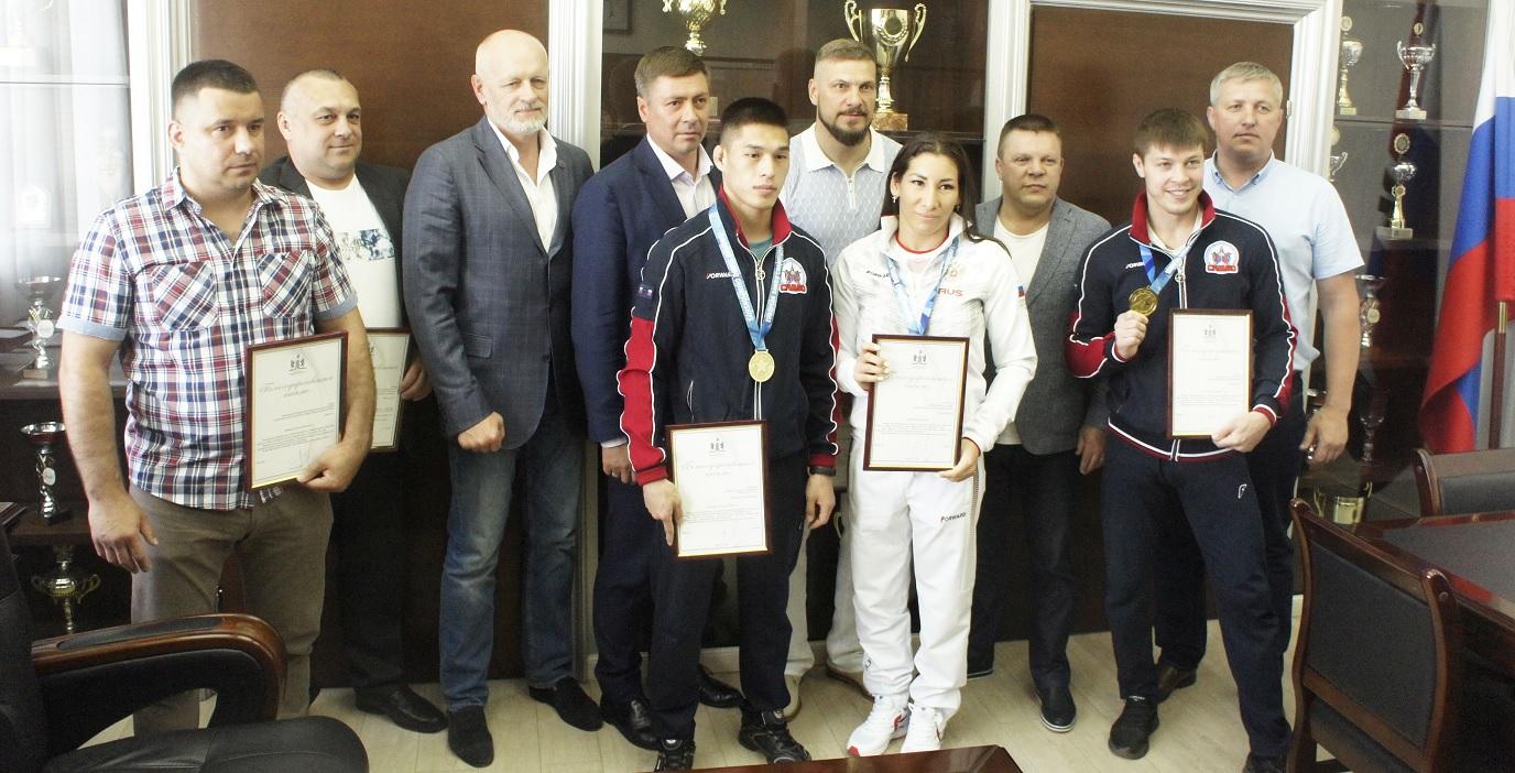 Чемпионы Европы по самбо из Новосибирска