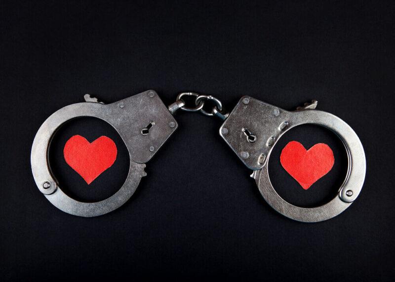 наручники, сердце