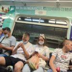 В Новосибирске женщин без масок выгнали из метро