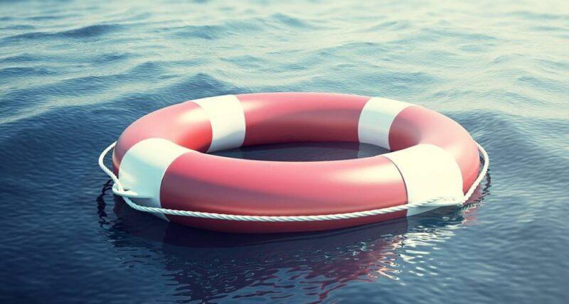 утонул ребенок, спасательный круг, вода