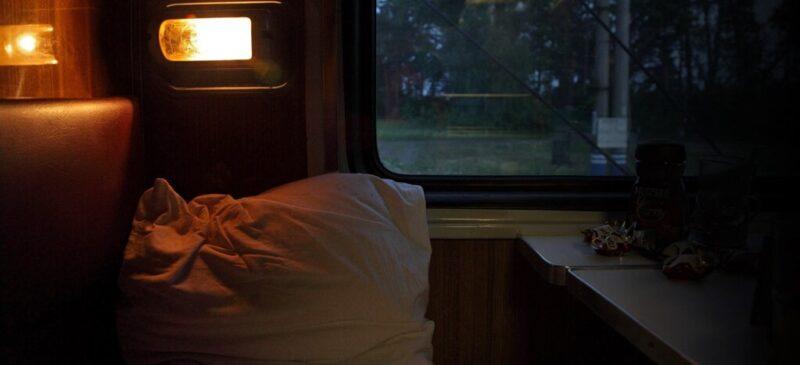 поезд, вагон внутри