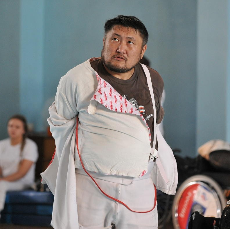 тренер по парафехтованию Марат Конурбаев