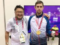 Тренер Марат Конурбаев и фехтовальщик Максим Щабуров