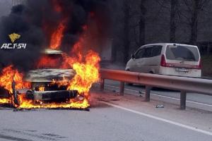 машина, горит автомобиль
