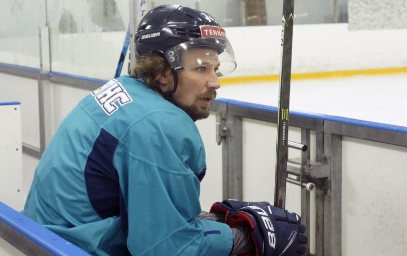 нападающий «Сибири» Алексей Кручинин